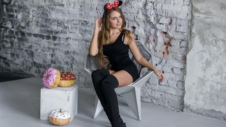 Nadezhda von Kharkov 23 jahre - gutherziges Mädchen. My mitte primäre foto.