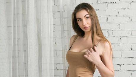 Sophie von Lviv 23 jahre - single Frau. My mitte primäre foto.