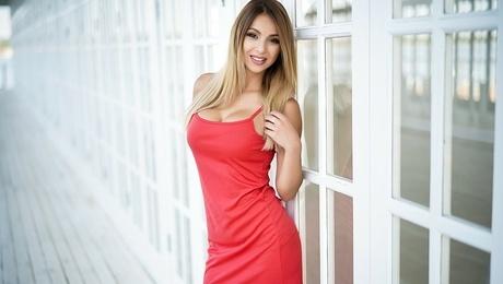 Violetta  23 jahre - sexuelle Frau. My mitte primäre foto.
