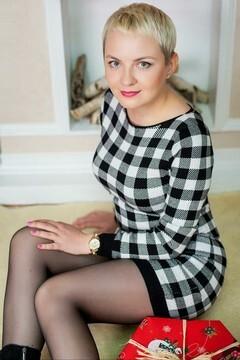 Nadia von Ivanofrankovsk 40 jahre - sorgsame Frau. My mitte primäre foto.
