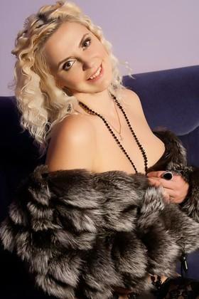 Mariya von Odessa 40 jahre - kluge Schönheit. My wenig primäre foto.