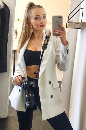 Yana von Sumy 28 jahre - intelligente Frau. My wenig primäre foto.