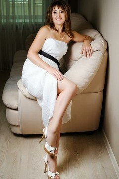 Ludmila  42 jahre - romatische Frau. My mitte primäre foto.