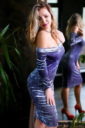 Alena von Zaporozhye 40 jahre - schöne Frau. My wenig primäre foto.