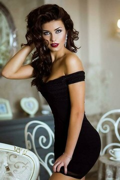 Irena von Kiev 23 jahre - Lieblingskleid. My mitte primäre foto.