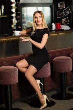 Oksana von Lutsk 31 jahre - eine Braut suchen. My mitte primäre foto.