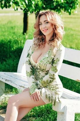 Irisha von Cherkasy 29 jahre - heiße Frau. My wenig primäre foto.