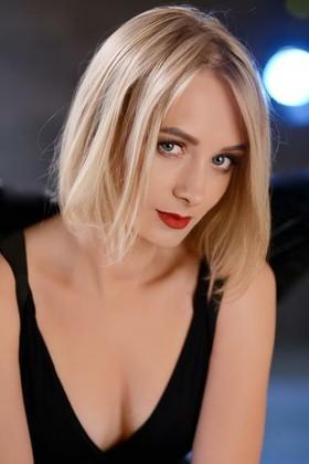 Oksana von Rovno 31 jahre - begehrenswerte Frau. My wenig primäre foto.