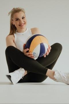 Yulya von Kremenchug 32 jahre - begehrenswerte Frau. My wenig primäre foto.
