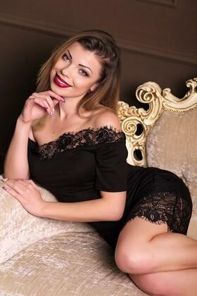 Irina  29 jahre - unabhängige Frau. My wenig primäre foto.