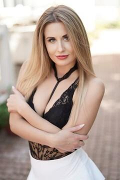 Svetlana  22 jahre - hübsche Frau. My mitte primäre foto.