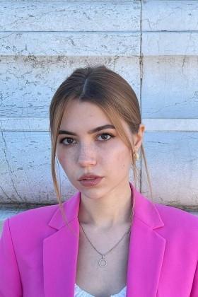 Alina von Kiev 18 jahre - hübsche Frau. My wenig primäre foto.