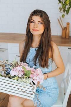 Nina von Poltava 21 jahre - Musikschwärmer Mädchen. My mitte primäre foto.
