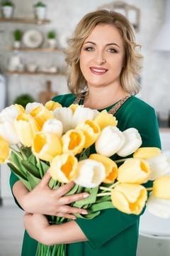 Elena von Dnipro 42 jahre - gute Frau. My mitte primäre foto.
