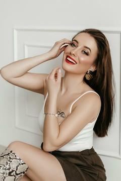 Oksana from Ivanofrankovsk 24 years - carring woman. My small primary photo.