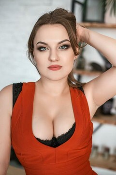 Yana von Dnipro 28 jahre - reizende Frau. My mitte primäre foto.