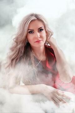 Julia von Kremenchug 33 jahre - ukrainisches Mädchen. My mitte primäre foto.