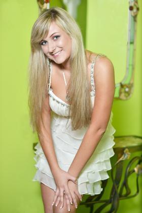 Faina von Sumy 22 jahre - strahlendes Lächeln. My wenig primäre foto.