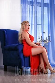 Oksi von Zaporozhye 39 jahre - zukünftige Frau. My wenig öffentliches foto.