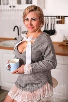 Oksi von Zaporozhye 39 jahre - heiße Frau. My wenig öffentliches foto.
