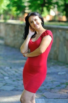 Iryna from Dnepropetrovsk 38 years - charm and softness. My small primary photo.