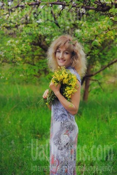 Natasha von Zaporozhye 44 jahre - unabhängige Frau. My wenig öffentliches foto.