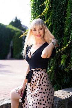 Tatyana von Sumy 35 jahre - Musikschwärmer Mädchen. My wenig primäre foto.