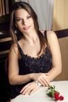 Elena  21 jahre - sie lächelt dich an. My wenig primäre foto.