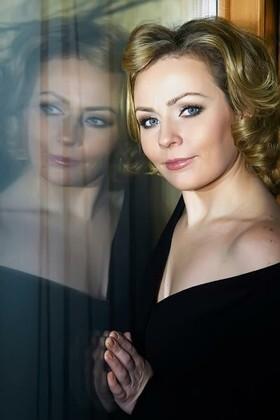 Viktoria von Odessa 30 jahre - aufmerksame Frau. My wenig primäre foto.