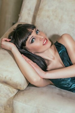 Nadya from Simferopol 26 years - attractive lady. My small primary photo.