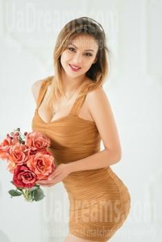 Violetta 24 jahre - single Frau. My wenig öffentliches foto.
