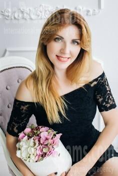 Natasha von Lutsk 34 jahre - schönes Lächeln. My wenig öffentliches foto.
