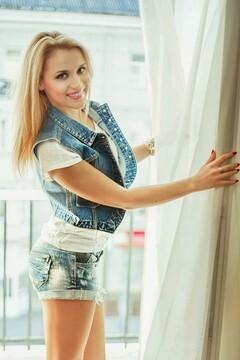 Yulya von Lutsk 25 jahre - auf einem Sommer-Ausflug. My mitte primäre foto.