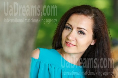 Irina from Kremenchug 29 years - smiling for you. My small public photo.