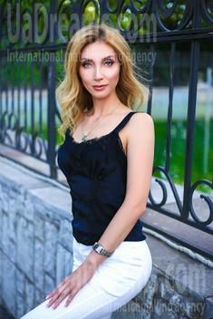 Oksana von Zaporozhye 39 jahre - herzenswarme Frau. My wenig öffentliches foto.