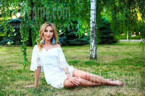 Oksana von Zaporozhye 39 jahre - gutherzige russische Frau. My wenig öffentliches foto.