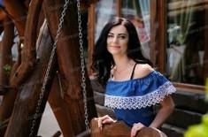Oksana 42 jahre - schönes Lächeln. My wenig öffentliches foto.