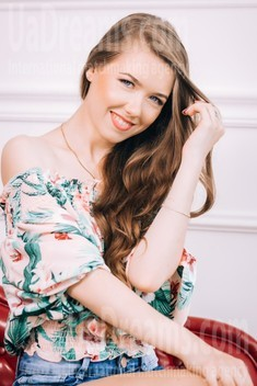 Tanyusha von Lutsk 22 jahre - reizende Frau. My wenig öffentliches foto.