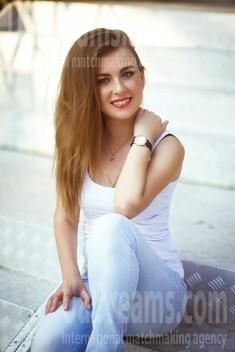 Marina von Dnipro 30 jahre - sie lächelt dich an. My wenig öffentliches foto.