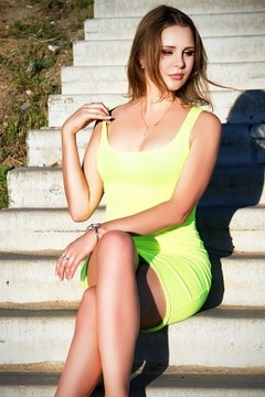 Helen from Zaporozhye 32 years - hot lady. My small primary photo.