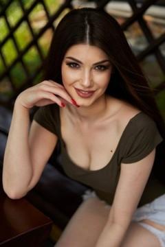 Nataliia von Ivano-Frankovsk 22 jahre - aufmerksame Frau. My mitte primäre foto.