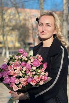 Anastasia von Poltava 31 jahre - ukrainisches Mädchen. My mitte primäre foto.