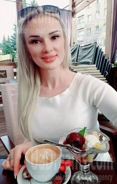 Larysa 42 jahre - sie lächelt dich an. My wenig öffentliches foto.