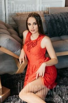 Anastasiya von Ivano-Frankovsk 22 jahre - eine Braut suchen. My wenig öffentliches foto.