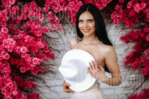 Taya von Poltava 27 jahre - gute Frau. My wenig öffentliches foto.