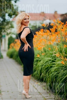 Oksana von Lutsk 44 jahre - zukünftige Frau. My wenig öffentliches foto.