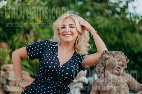 Oksana von Lutsk 44 jahre - schöne Braut. My wenig öffentliches foto.