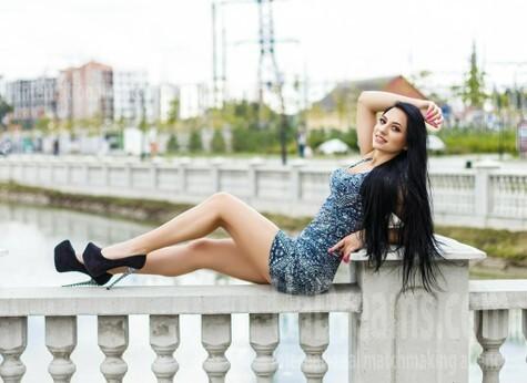 Viktoria von Ivano-Frankovsk 24 jahre - single Frau. My wenig öffentliches foto.