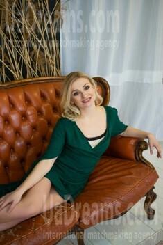 Olichka von Lutsk 26 jahre - eine Braut suchen. My wenig öffentliches foto.